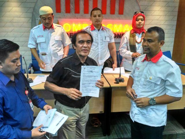 ACTA saat melapor ke Ombudsman (foto: Arie/Okezone)