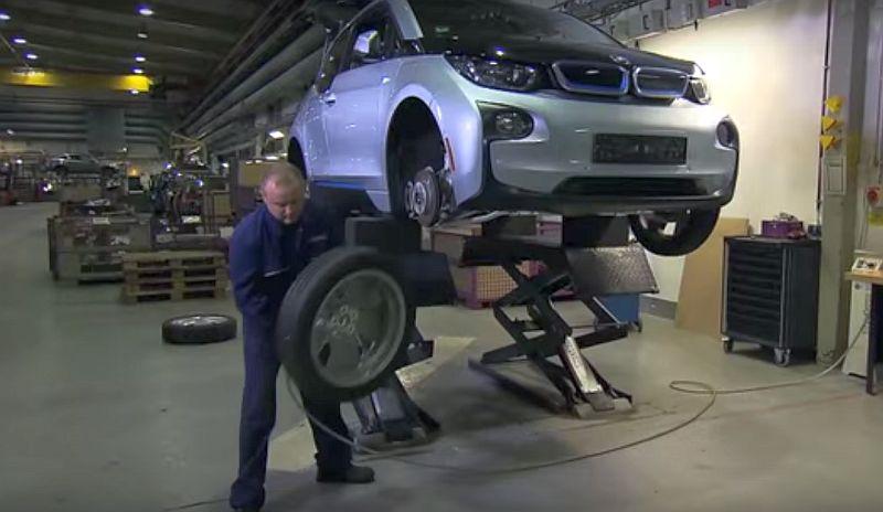 Daur ulang mobil BMW (Carscoops)