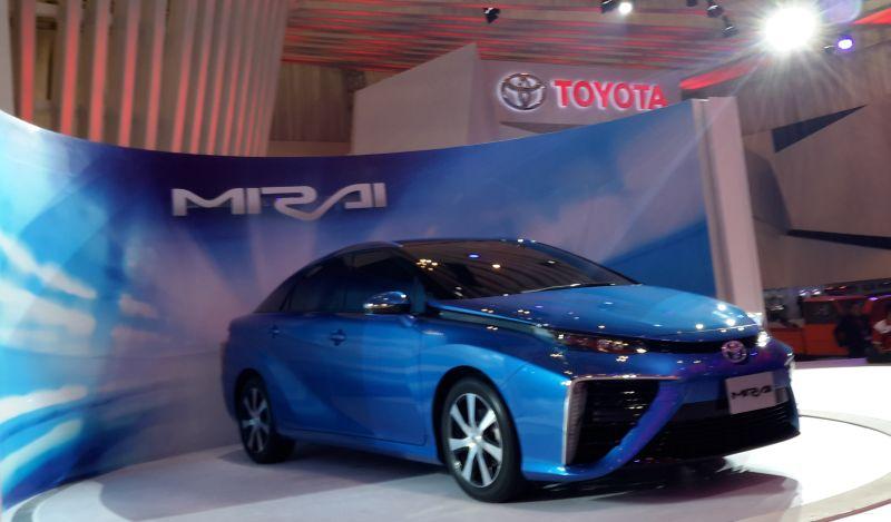 Toyota Mirai dipamerkan di ajang Gaikindo Indonesia International Auto Show (GIIAS) 2015 (Foto: Okezone)