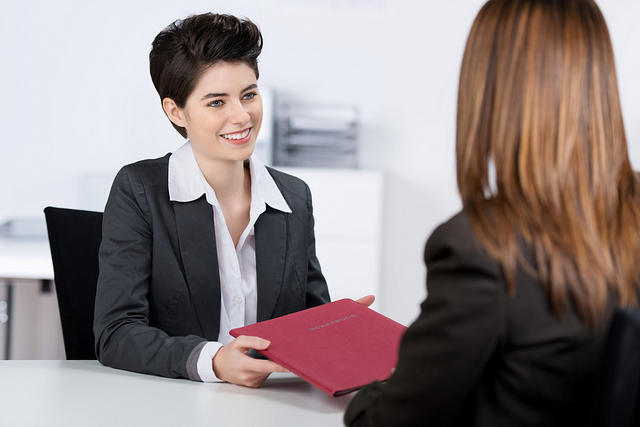 Fakta! Obrolan Wanita saat Ngerumpi Tak Bicara Investasi