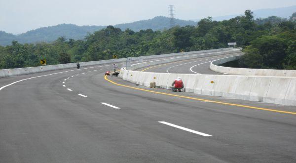 Pemerintah Desain Ulang Jalur Tol Semarang-Demak