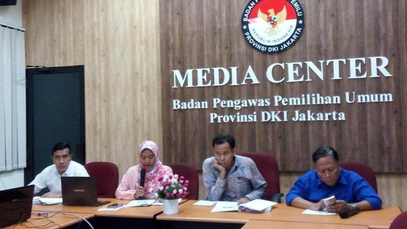 Konferensi Pers Bawaslu soal Dugaan Pelanggaran di Pilgub DKI (Foto: Fadel/Okezone)