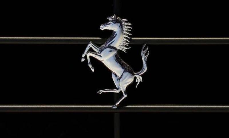 Siap-Siap, Mobil Tercepat Ferrari '812 Superfast' Debut Bulan Depan!