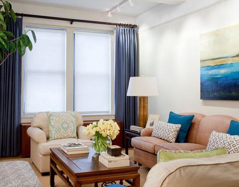 ruangan berukuran kecil paling cocok memasang gorden