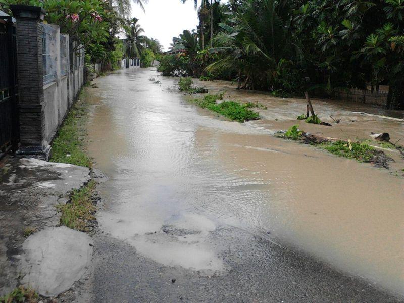 Sungai Batee Iliek Meluap Sejumlah Rumah Di Bireuen Kebanjiran Okezone News