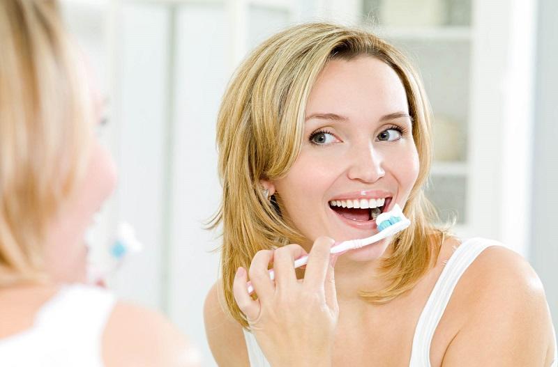 Gigi Kembali Putih Campurkan Pasta Gigi Dan Baking Soda Saja