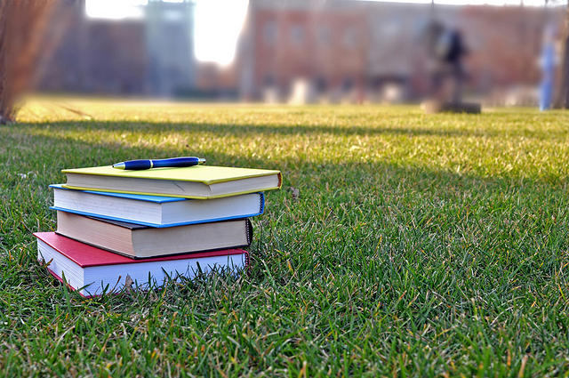 """Minim Buku, Perguruan Tinggi Diminta """"Mencetak"""" Penulis"""