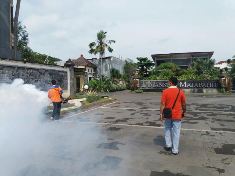 Tangkal Demam Berdarah, Rescue Perindo Fogging Perumahan Elit di Kota Semarang