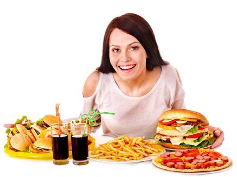 https: img.okezone.com content 2017 03 03 481 1632978 makanan-cepat-saji-salah-satu-penyebab-orang-alami-nyeri-sendi-MIglAB68tb.jpg