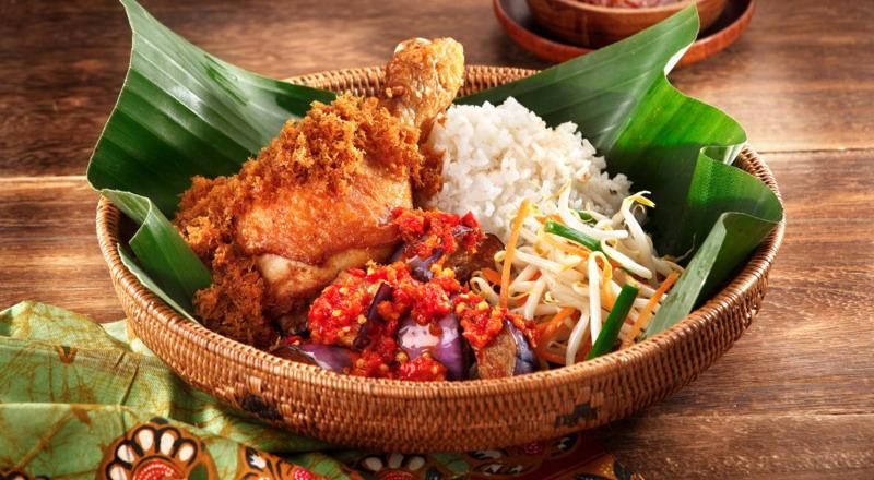 Makan Malam dengan Makanan Indonesia Fusion? Ini 3 ...