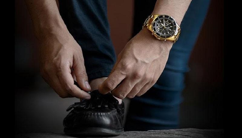 https: img.okezone.com content 2017 03 10 194 1639942 mengapa-arloji-mahal-tetap-diburu-para-pria-jadi-aksesori-andalan-dyvwvDpDb5.jpg