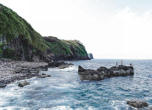 https: img.okezone.com content 2017 03 10 406 1639581 mengulas-keindahan-pulau-sangiang-tempat-harta-karun-belanda-GbvDUnNXvv.JPG