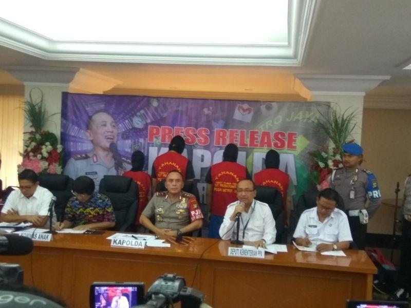 Kapolda Metro Jaya, Irjen M Iriawan saat menjelaskan pengungkapan jaringan teroris anak. (Foto: badriyanto/Okezone)