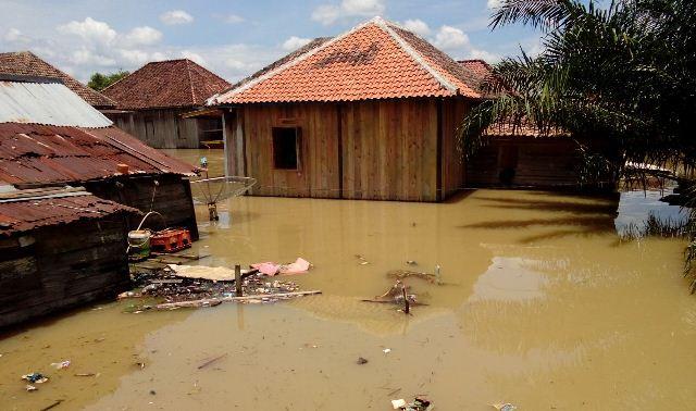 https: img.okezone.com content 2017 03 14 340 1642598 alamak-banjir-di-muba-meluas-dan-ketinggian-air-terus-meningkat-dUPpYdJoM9.jpg