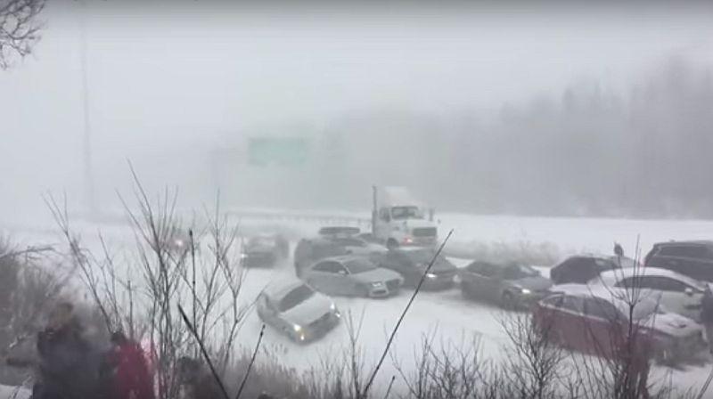 50 Kendaraan Tabrakan Beruntun Gara-Gara Salju, Nih Videonya!