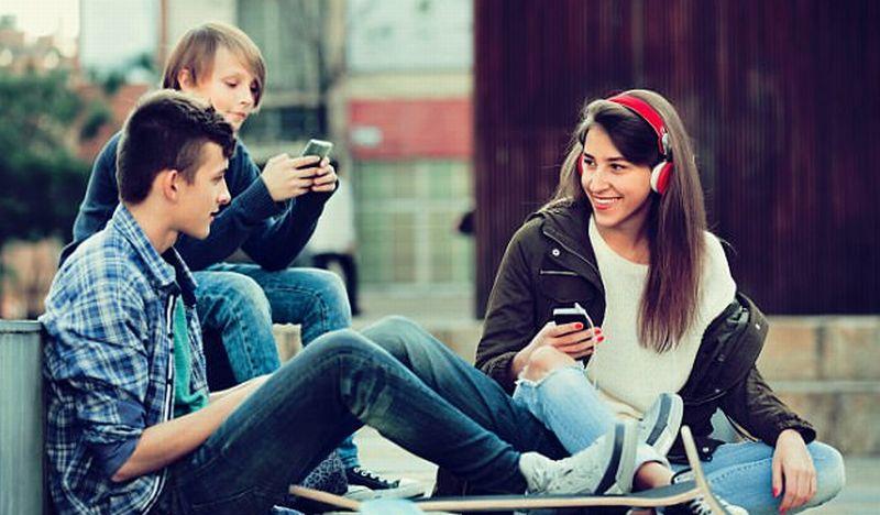 Smartphone sebagai Digital Heroin bagi Generasi Milenial