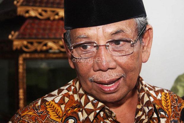 Cerita KH Hasyim Muzadi dan Tukang Lampu