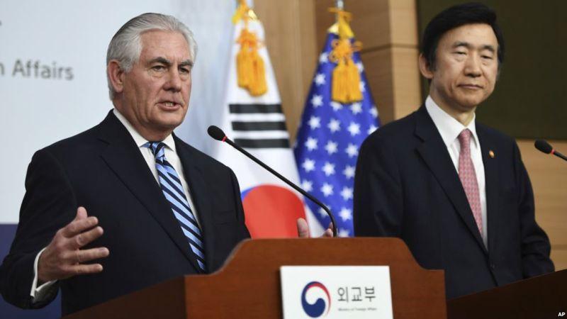 Foto pernyataan bersama Menlu AS Rex Tillerson dan Menlu Korsel Yun Byung-se (Foto: AP)