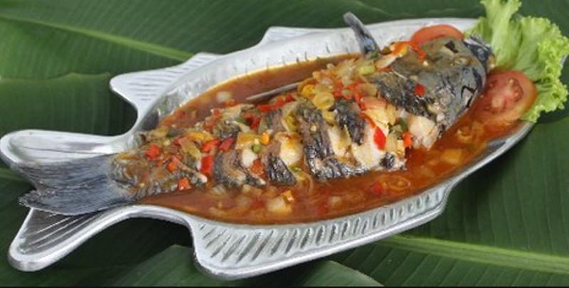 makanan khas lampung ikan seruit