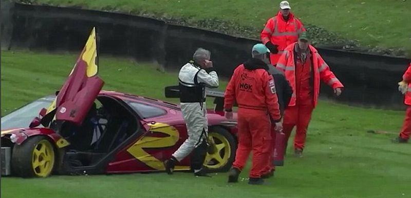 Drummer Pink Floyd mengalami kecelakaan saat mengendarai McLaren F1 GTR di Sirkuit Goodwood (Youtube)