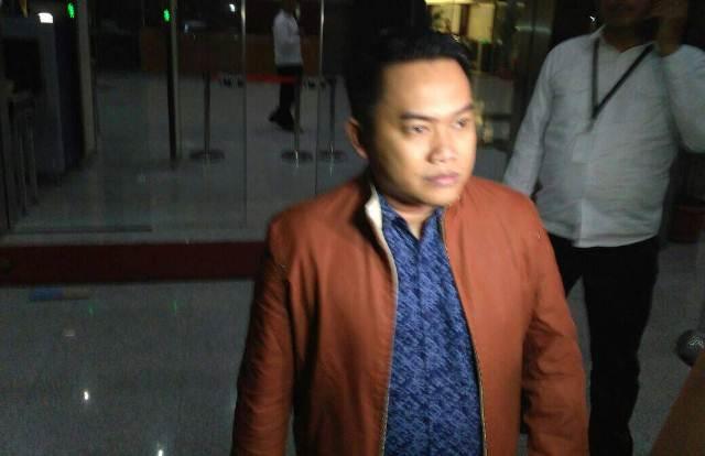 Andy Purnomo, Anak Bupati nonaktif Klaten Sri Hartini usai jalani pemeriksaan di KPK (Foto: Putera Negara)