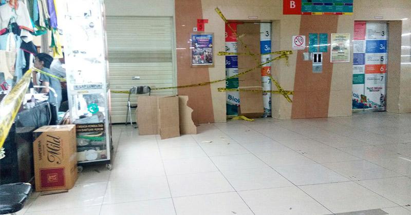 https: img.okezone.com content 2017 03 20 338 1647079 15-korban-jatuhnya-lift-di-blok-m-square-masih-dirawat-di-rumah-sakit-yrZlxQp1gS.jpg