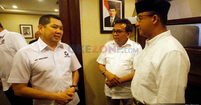 Ketua Umum Partai Perindo Hary Tanoesoedibjo bersama Anies Baswedan. (Foto: Heru Haryono/Okezone)