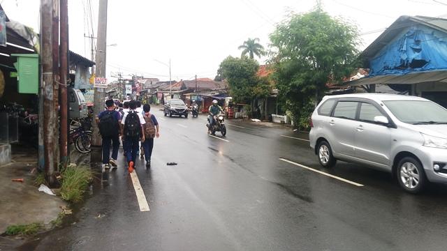 Demo Angkot di Bogor, Puluhan Pelajar Telantar