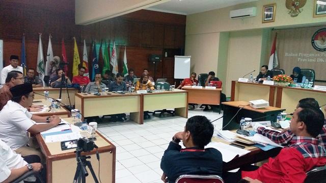 Tim Anies-Sandi Pertanyakan Status Kehadiran Arteria Dahlan di Sidang Sengketa Pilgub DKI