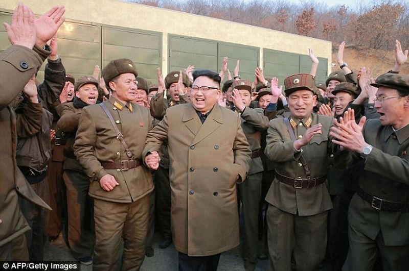 VIDEO: Begini Senyum Lebar Kim Jong-un saat Saksikan Uji Coba Peluncuran Roket