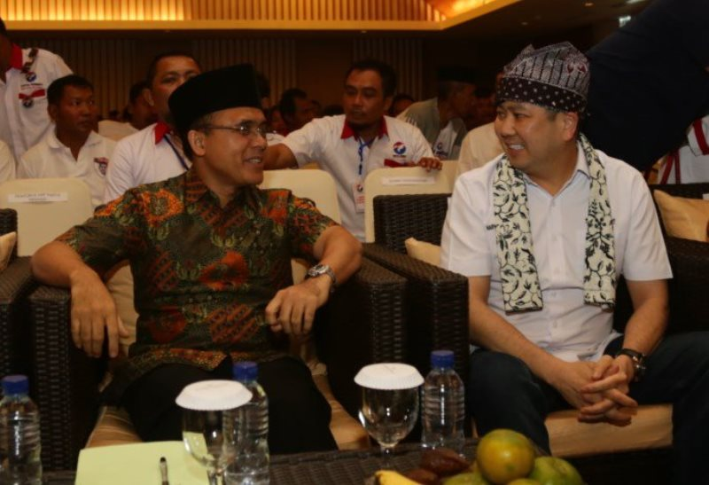 Ketua Umum Partai Perindo Hary Tanoesoedibjo bertemu Bupati Banyuwangi Abdullah Azwar Anas dalam pelantikan DPRt Perindo Banyuwangi. Foto dok Perindo