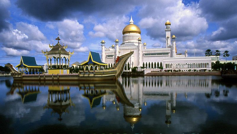 https: img.okezone.com content 2017 03 22 406 1648956 3-destinasi-terhangat-untuk-wisatawan-muslim-di-brunei-darussalam-Ufn29z4ZUi.jpg