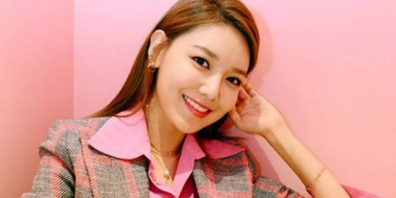https: img.okezone.com content 2017 03 24 33 1650854 jessica-tinggalkan-snsd-sooyoung-kutip-kalimat-goblin-xQy4xbFets.jpg
