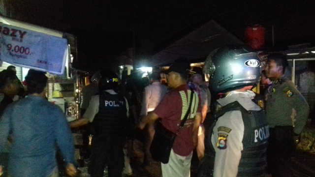 Gawat, Dua Kelompok Warga Bentrok di Tangerang