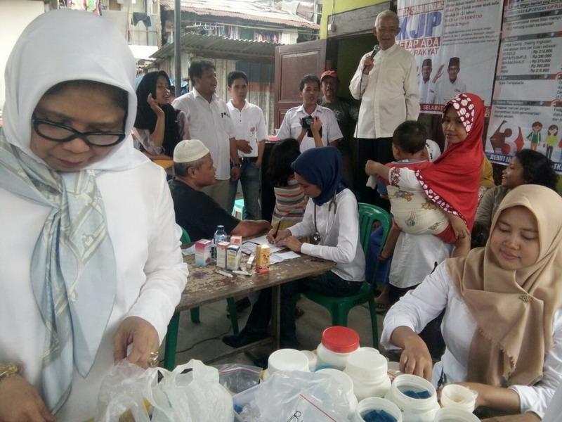 Nah.. Ingin Warga Jakarta Kuat, Relawan Anies-Sandi Gelar Pengobatan Gratis