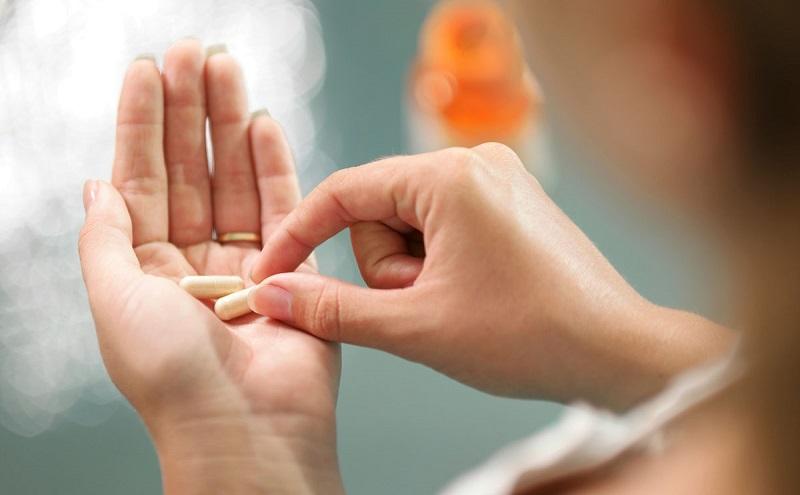 https: img.okezone.com content 2017 03 27 194 1652387 kulit-lebih-cerah-bisa-dengan-minum-pil-vitamin-c-lho-t9HgX0Ibkj.jpg