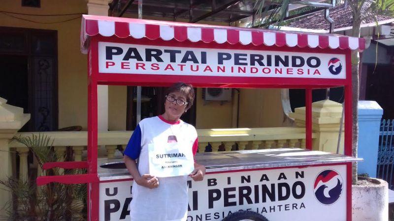 Dapat Gerobak dari Perindo, Warga Cepu: Terima Kasih Pak Hary Tanoe