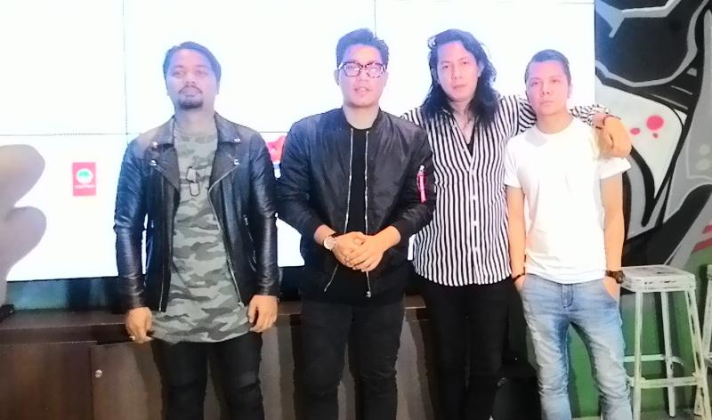 https: img.okezone.com content 2017 03 31 205 1655817 lagunya-mirip-f4-armada-lucu-nih-JTPvf5wyJ3.jpg