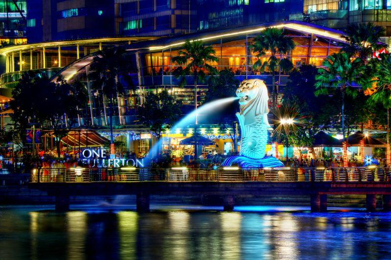 https: img.okezone.com content 2017 03 31 406 1655855 pilihan-tempat-makan-favorit-wisatawan-di-singapura-WtcvFajRBE.jpg