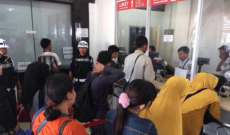 Dalam 7 Jam, Kereta Perdana Jurusan Rangkasbitung Terjual 4.897 Tiket
