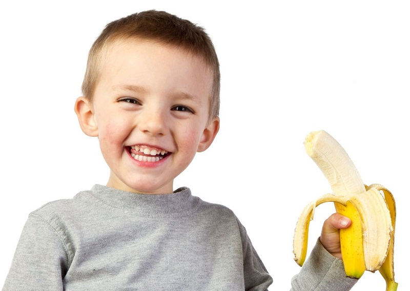Hasil gambar untuk anak makan pisang