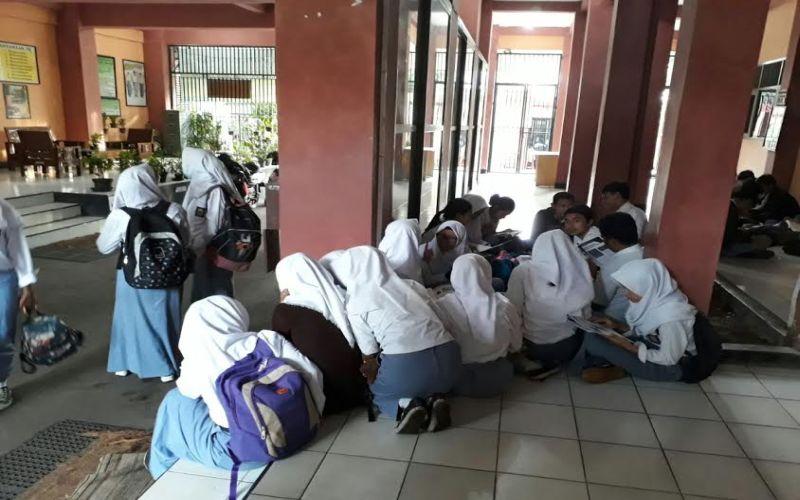 Hari Pertama Un Smk Siswa Semangat Ke Sekolah Pagi Pagi Okezone News
