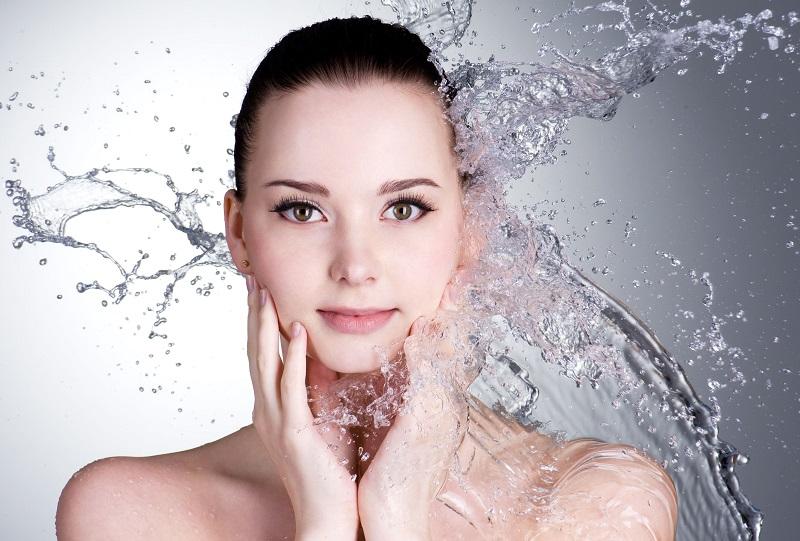 https: img.okezone.com content 2017 04 04 194 1658458 ini-lho-manfaat-air-garam-untuk-kecantikan-kulit-R2dplQVSM9.jpg