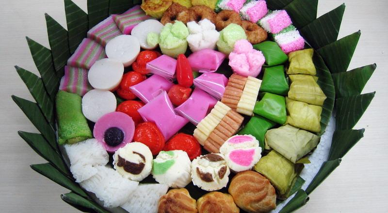 https: img.okezone.com content 2017 04 04 298 1658752 3-kue-tradisional-indonesia-yang-rasanya-legendaris-dari-masa-ke-masa-qHtGcMIN6D.JPG