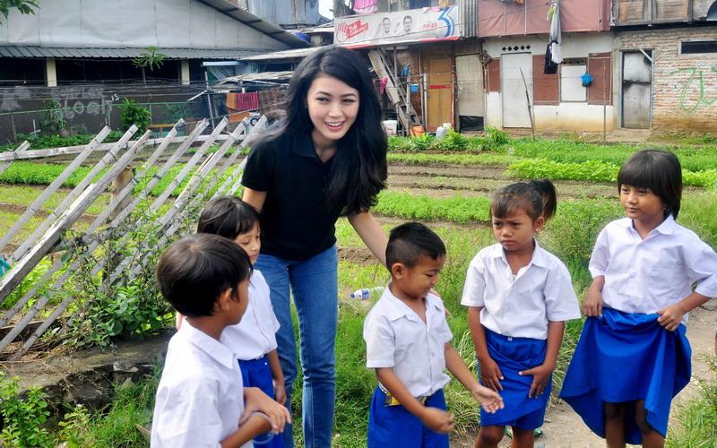 https: img.okezone.com content 2017 04 06 194 1660641 natasha-mannuela-pendidikan-indonesia-harus-maju-ps6ylji63r.jpg