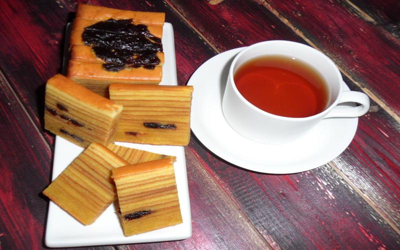 https: img.okezone.com content 2017 04 07 298 1661412 makan-kue-tradisional-manis-cocoknya-dengan-teh-seperti-ini-ussj5n97PZ.jpg