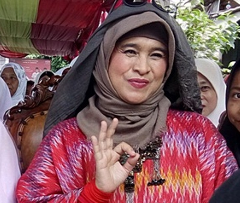 Neno Warisman Yakin Anies-Sandi Berjaya Di Pilgub DKI