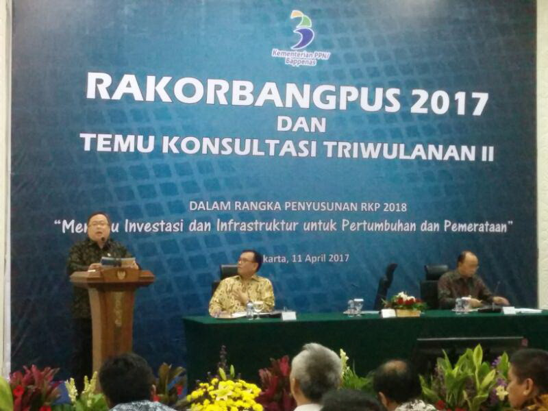 https: img.okezone.com content 2017 04 11 20 1664202 menteri-bambang-2018-tetap-fokus-pada-money-follow-program-nRKBTzAc47.jpg