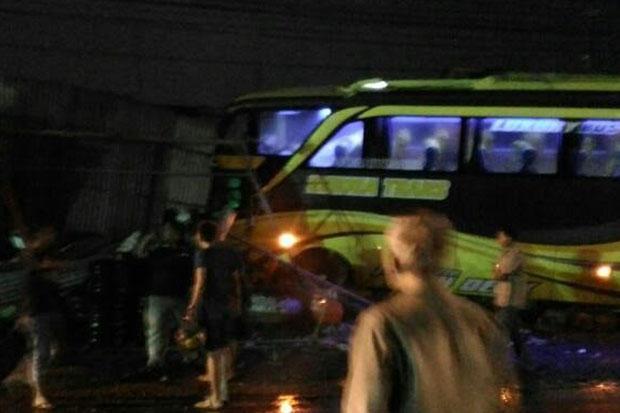 bus tabrak rumah di Pati (Foto: Sindonews)