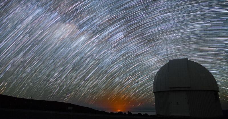 Wah! Pesona Langit Menakjubkan di Hawaii Malam Hari
